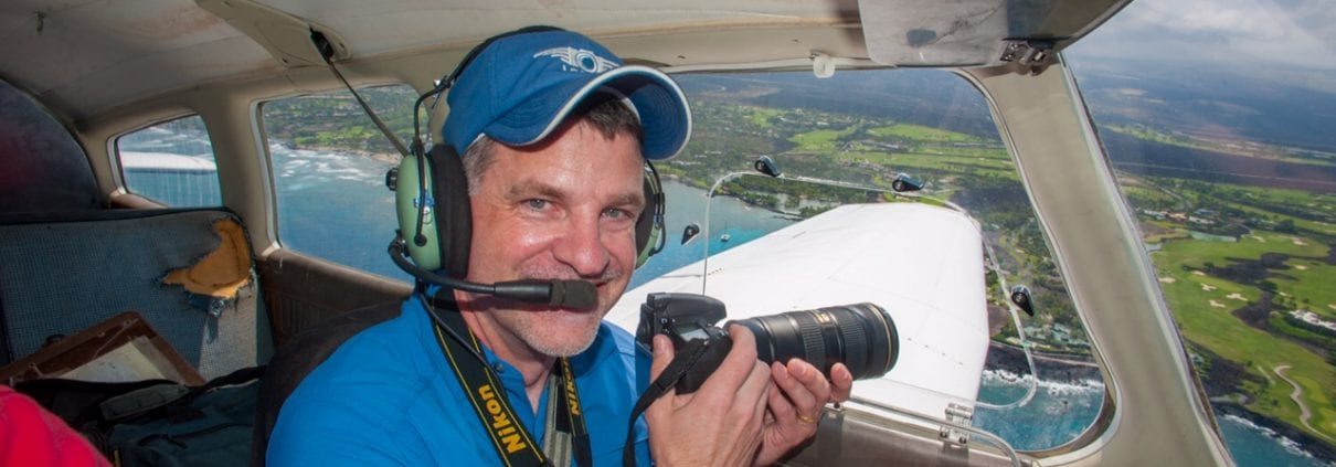 David Wyatt, simultaneously flying and photographing