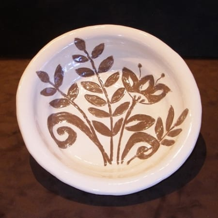Old World Sgraffito Bowl in Chocolate Clay