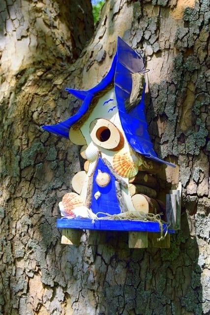 Beach Shack (birdhouse)