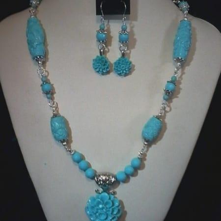 Blue Necklace w/Earrings