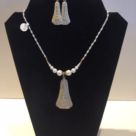 Necklace & Earrings Set - Elegant