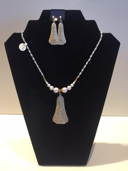 Necklace & Earrings Set - Elegant