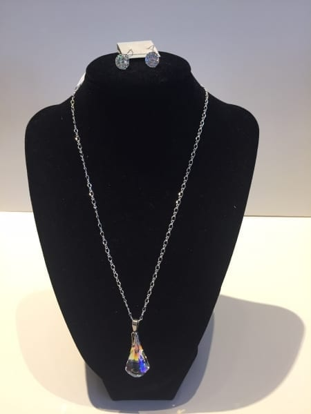 Necklace & Earrings Set - Classic