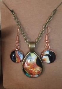 acyrlic-pour-earrings-necklace-kristen-hanafin